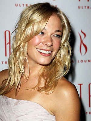 For country singer Leann Rimes psoriasis began affecting her life at the age of two 3